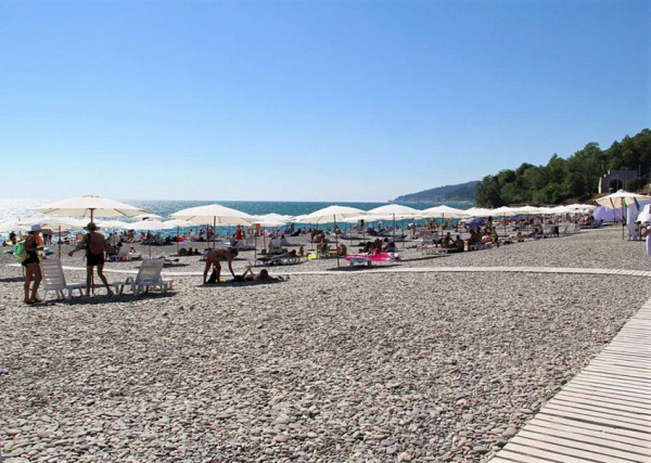 Все больше пляжей благоустраивается